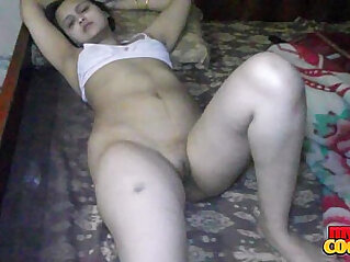 Sonia Bhabhi Indian Housewife Spreading Long Legs For Sex