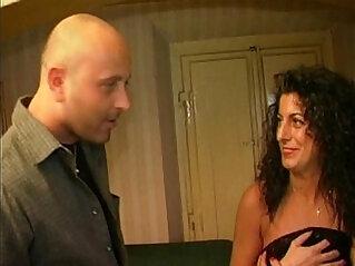 Hot amateur brunette fucked at home