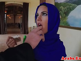 Muslim babe paid to fuck gets facialized