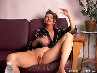 Beautiful tits old spunker playing with juicy pussy for you