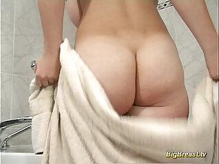 Big breasts amateur dildoing