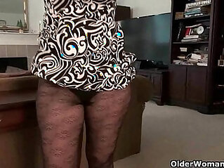Mature milfs need orgasmic pleasure