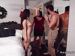 Husband with natural big tits babe